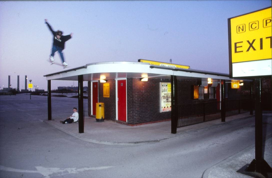 brian-sumner-ollie-photo-kevin-banks-speedway-skateboarding-magazine