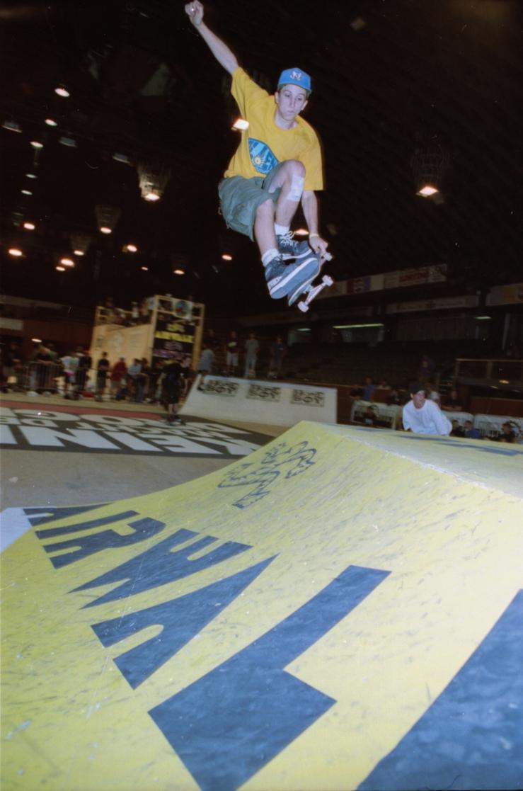 duane-pitre-munster-monster-mastership-germany-1991-photo-kevin-banks-speedway-skateboarding-magazine