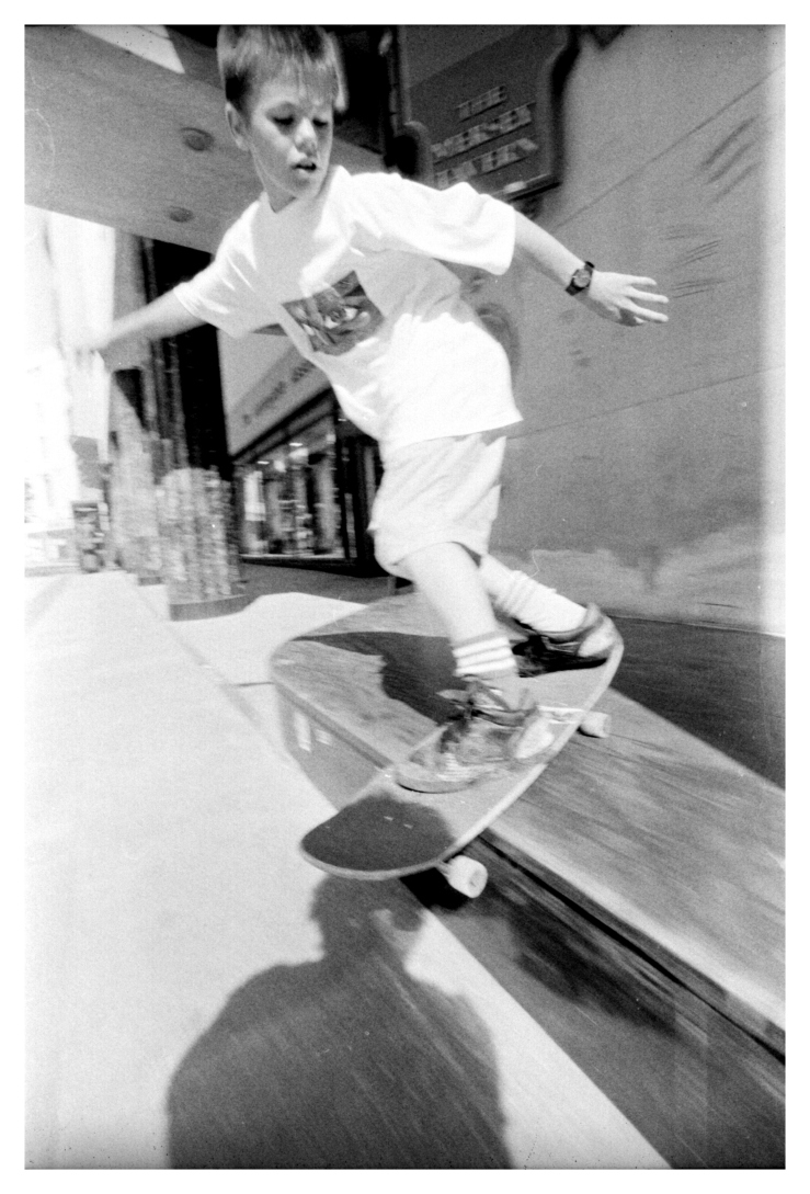 geoff-rowley-backside-lipslide-liverpool-law-courts-photo-kevin-banks-speedway-skateboarding-magazine