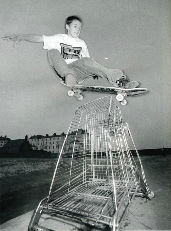geoff-rowley-nosebump-llandudno-wales-photo-kevin-banks-speedway-skateboarding-magazine