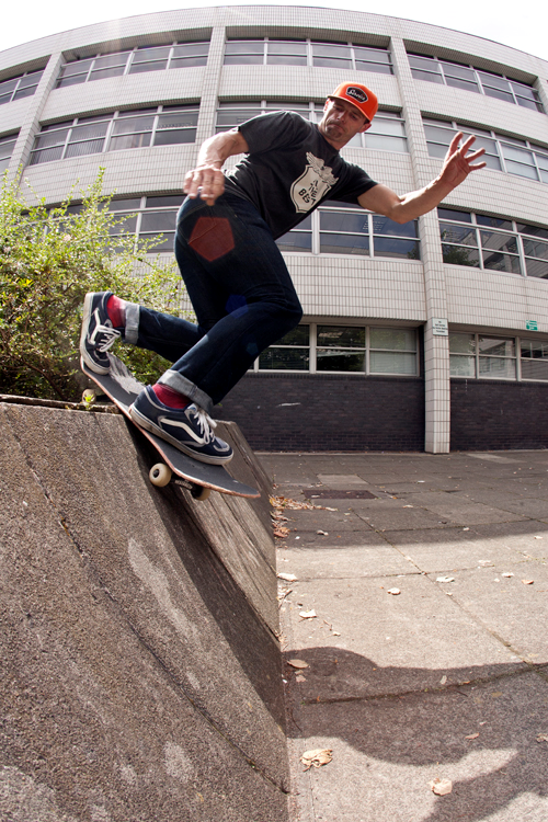 john-dalton-backside-smith-grind-police-banks-liverpool-photo-ash-wilson-speedway-skateboarding-magazine